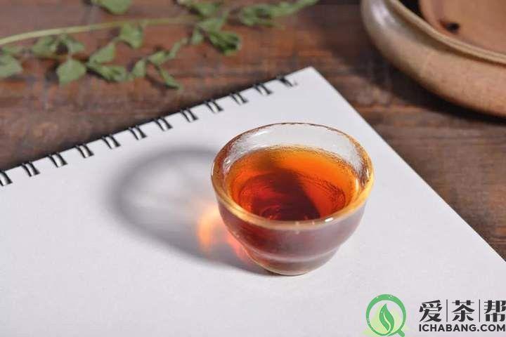 普洱茶为什么要用100℃的水冲泡?